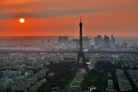 paris-843229_1920